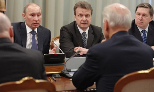 AP ©<br> Премьер-министр РФ Владимир Путин на встрече с вице-президентом США Джозефом Байденом